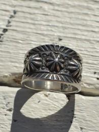 【Edison Sandy Smith】 Embossed and Stamped Ring